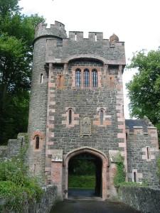 800px-Gate_Glenarm_Castle_County_Antrim